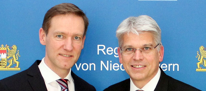 Rainer Haselbeck trifft Sparkasse